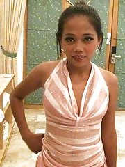 Hard-partying Filipina spinner gets slutty back at the hotel